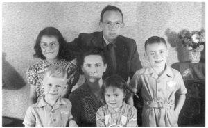 Lies, vader Gerard Haring, Peter Maarten, moeder Marietje Haring-van Baarda, Ina